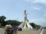 Carrefour de la colombe de la paix à Lomé