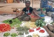 Maman de Yawa au marché